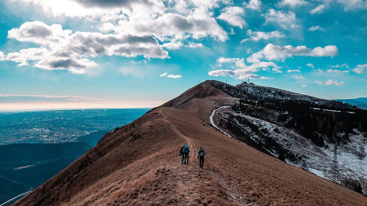 trekking_creste_nevegal_shutterstock