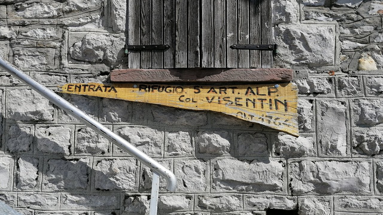 insegna_rifugio_col_visentin_nevegal_giorgia_fontanari