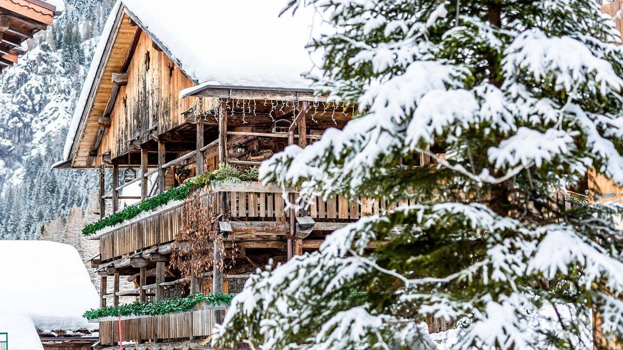 casa_sottoguda_inverno_consorzio_turistico_marmolada_rocca_pietore_dolomiti