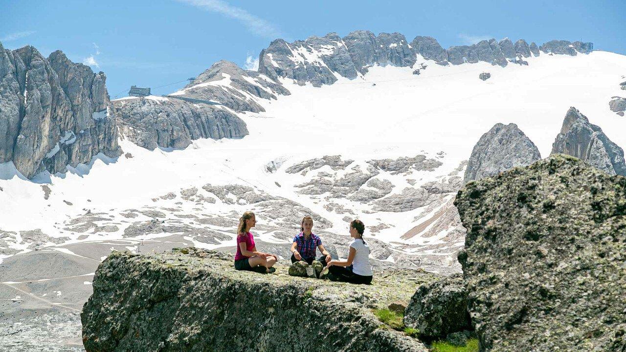 yoga_vista_marmolada_inverno_consorzio_turistico_marmolada_rocca_pietore_dolomiti