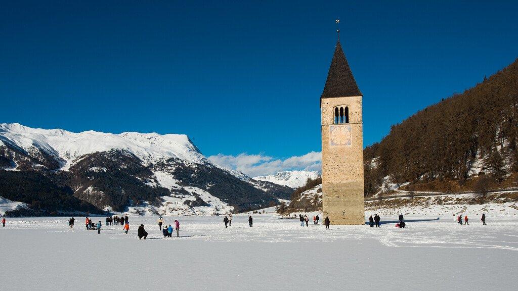 Resia Pass - Alta Val Venosta: ski holidays and wonderful hikes - cover