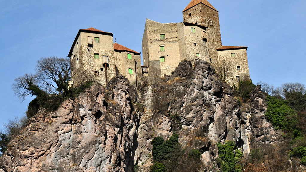 Holidays in Cornedo all'Isarco between sport and culture - cover