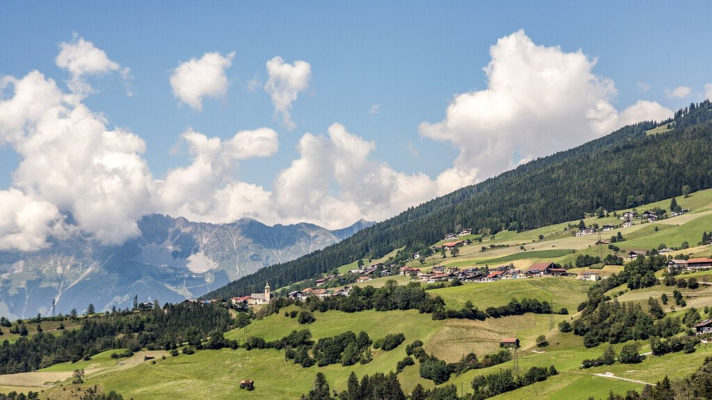 Brennero: vacanze nella natura, escursioni in quota, sci e terme - cover