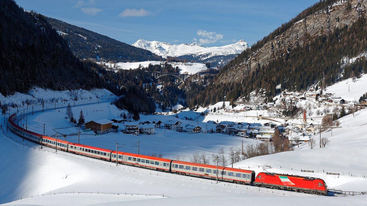 treno_inverno_brennero_shutterstock