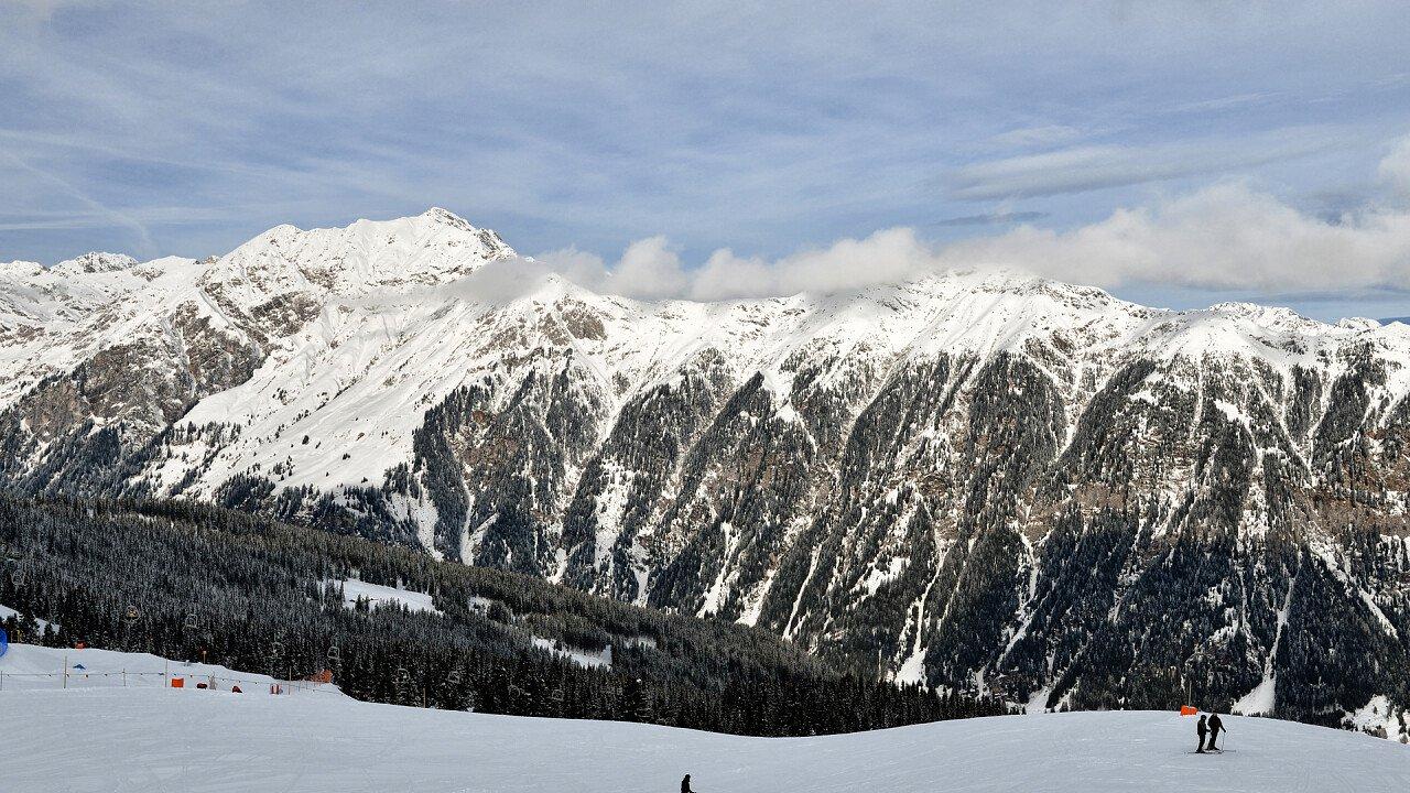 inverno_sciare_racines_shutterstock