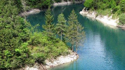 lake_senaiga_lamon_shutterstock