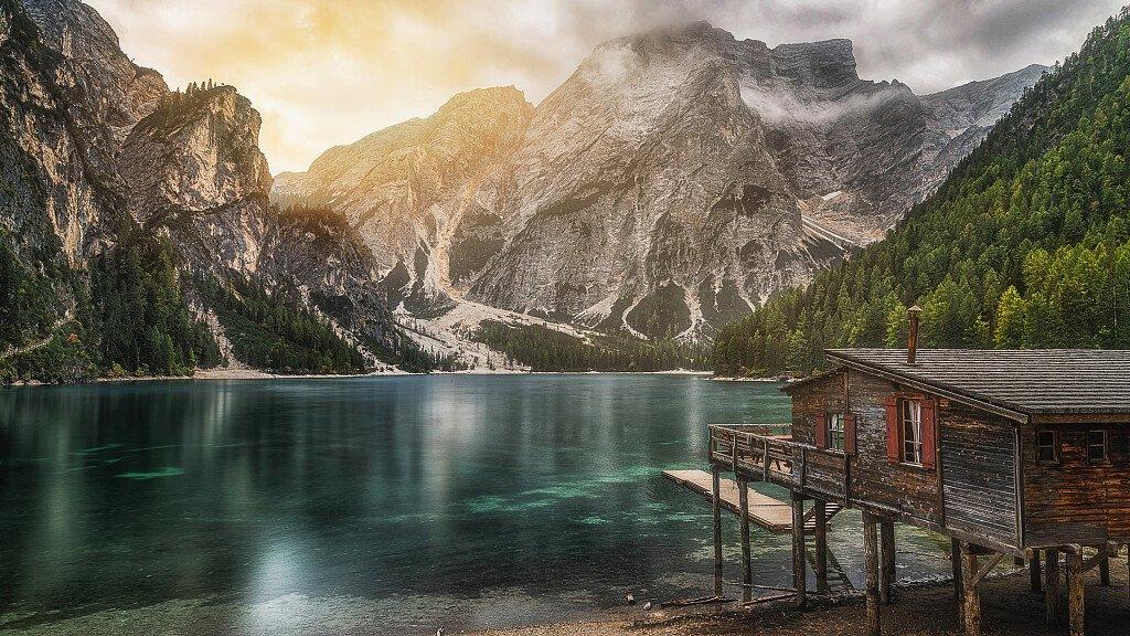 Braies: vacanze estive e invernali al lago - cover