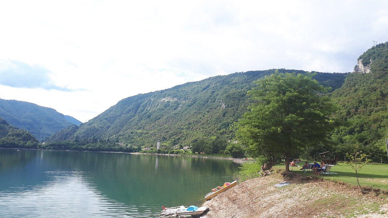 pedalo_lago_arsie_feltre_angela_pierdona