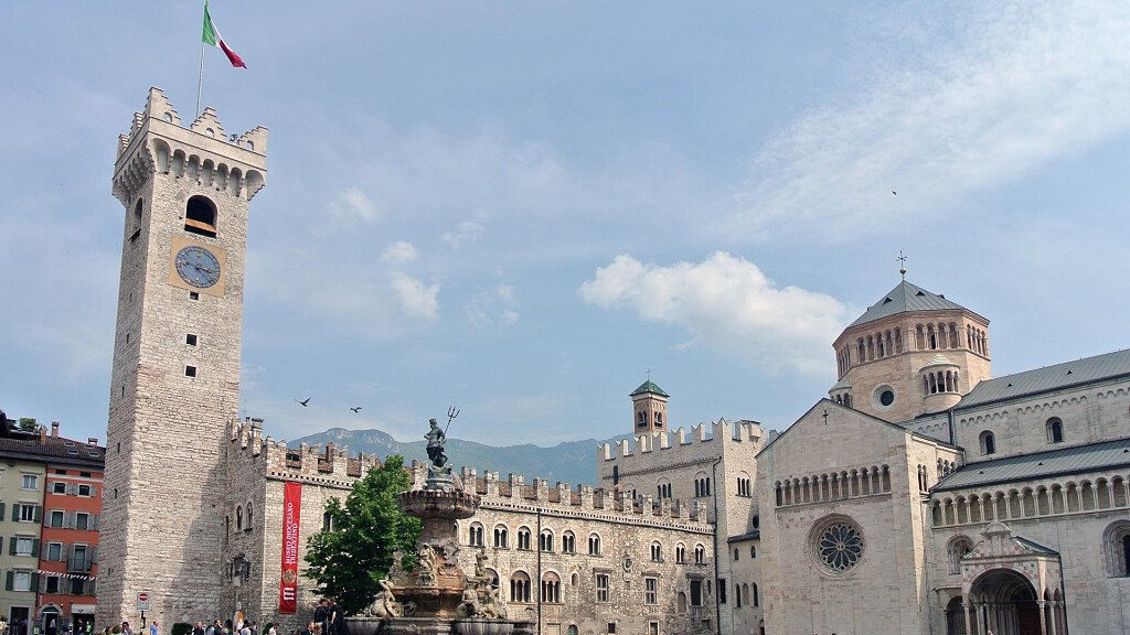 Trento: holidays between art and culture - cover