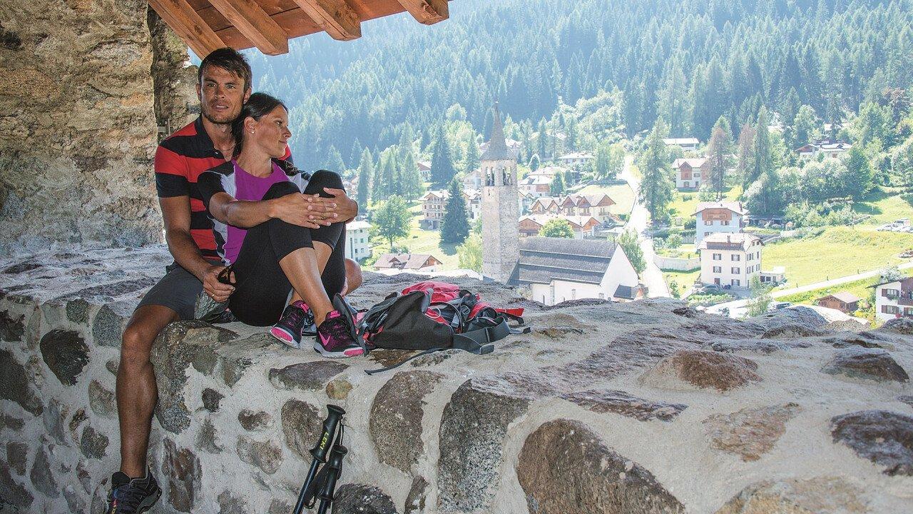 Couple at Osssana castle