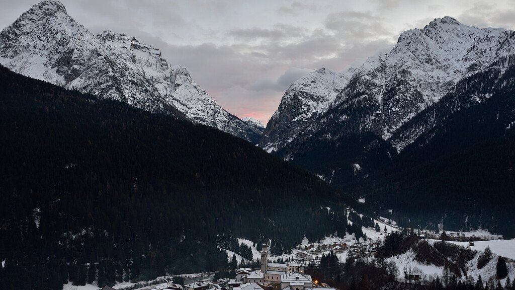 San Pietro di Cadore: historic palaces, churches and relax in the nature - cover