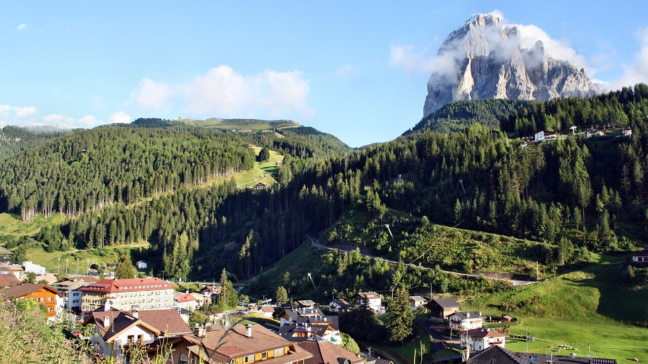 St Christina mit Dolomiten