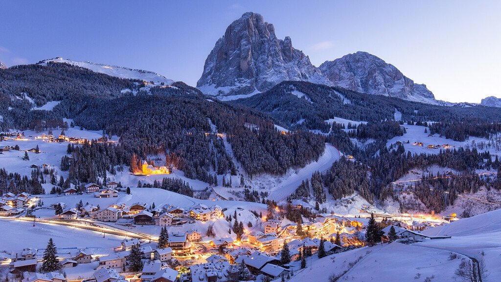 Val Gardena: holidays in the valley with 1000 opportunities - cover