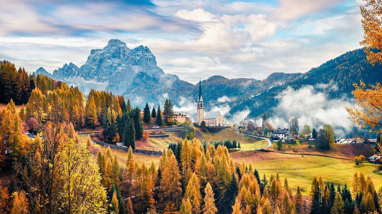 autumn_town_selva_di_cadore_shutterstock