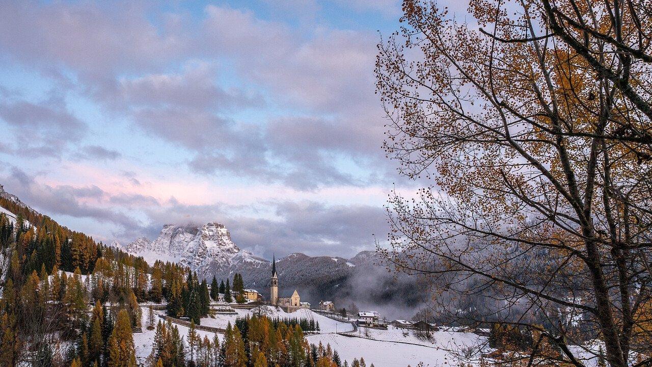 winter_in_selva_di_cadore_shutterstock