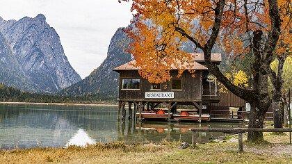 Toblach See im Herbst