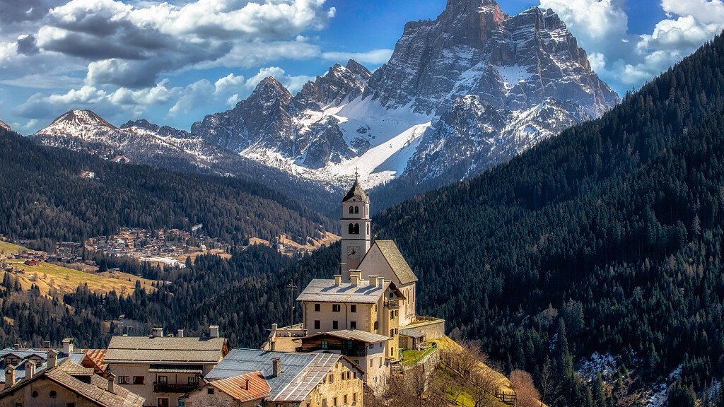 Civetta - Selva di Cadore: ski and culture holidays - cover