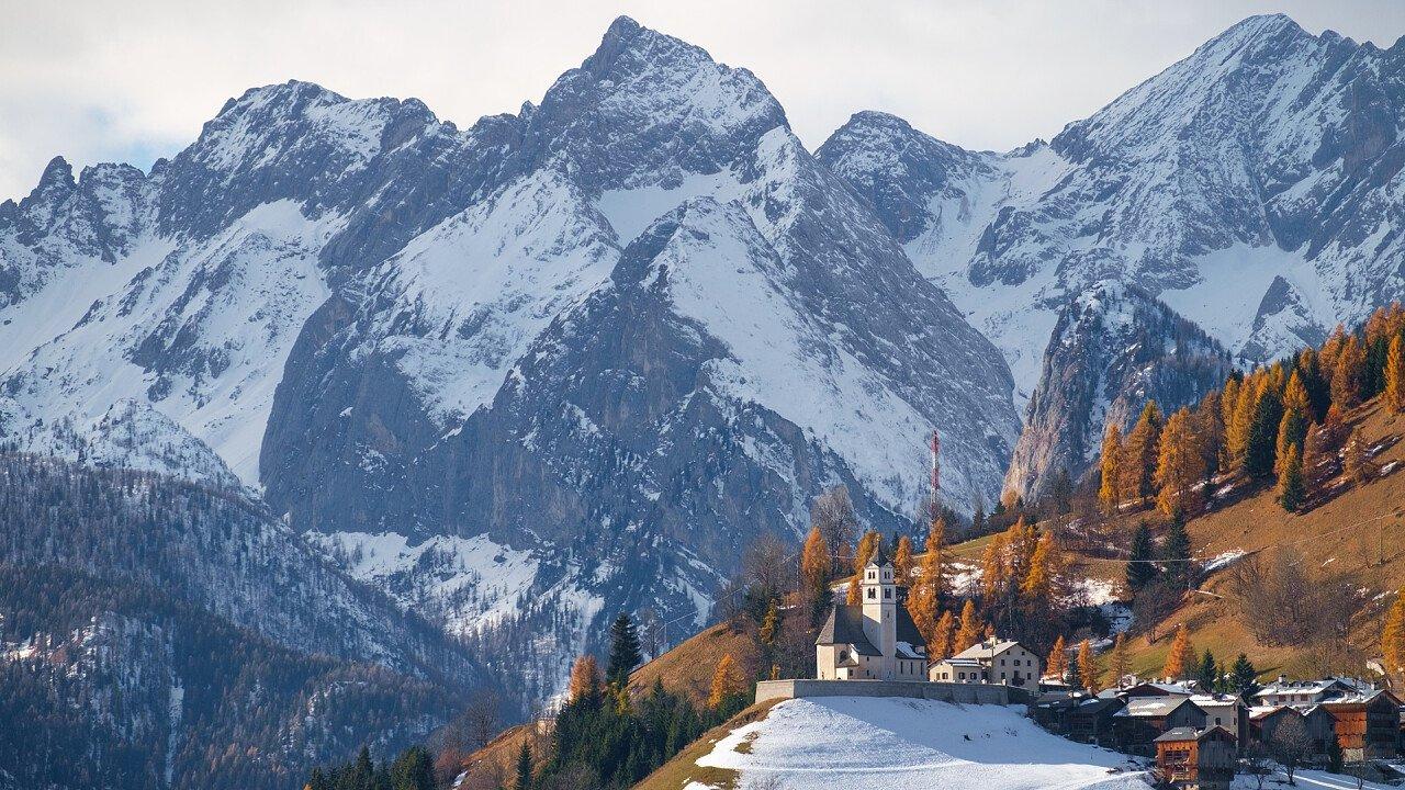 winter_colle_santa_lucia_dreamstime_fesus_robert