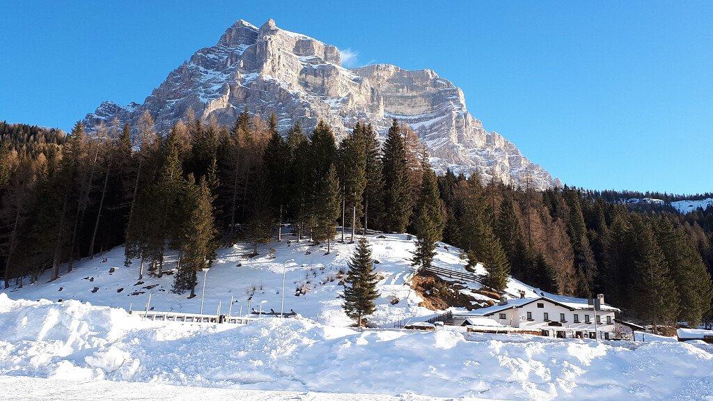 Zoldo Alto: sci ed escursioni sul Civetta - cover
