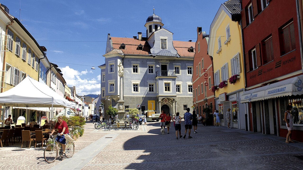 centro_storico_brunico_brunico_kronplatz_turismo