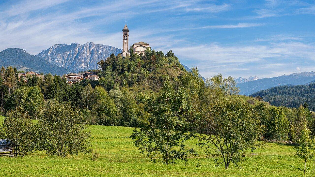 estate_castello_molina_di_fiemme_shutterstock