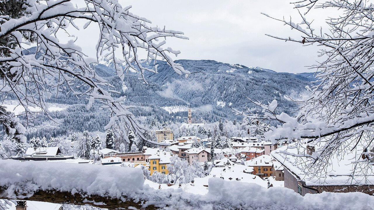inverno_paese_cavalese_shutterstock