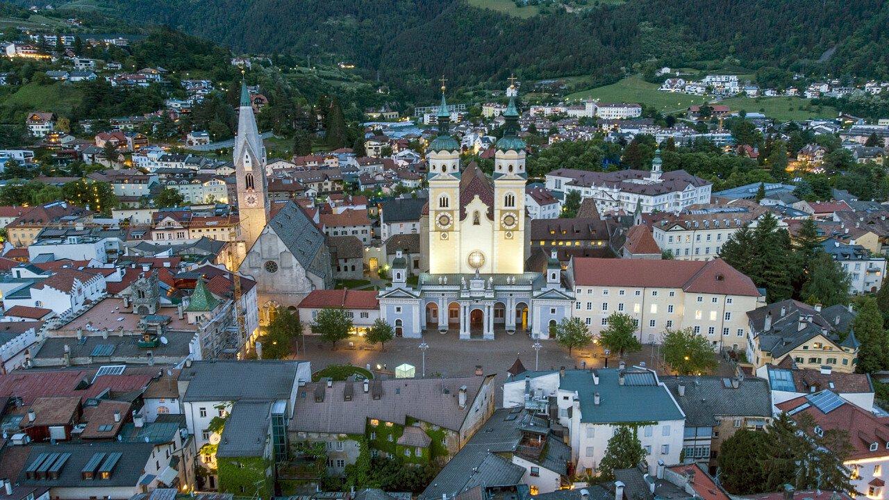 veduta_dall_alto_centro_storico_bressanone_shutterstock