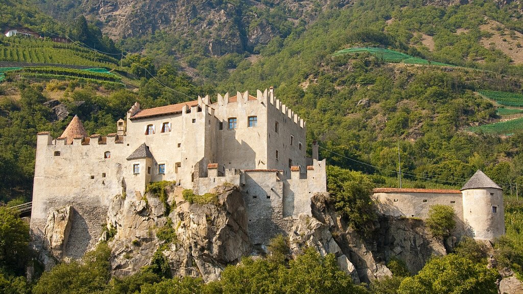 Castelbello-Ciardes: typical flavours, culture and irrigation channels paths - cover