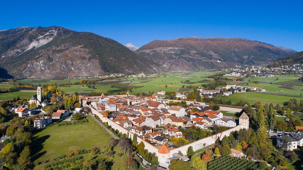 Val Venosta/Val Senales: sentieri d'acqua, mountain bike e sci - cover