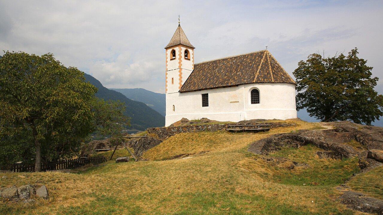 chiesa_sant_ippolito_tesimo_shutterstock