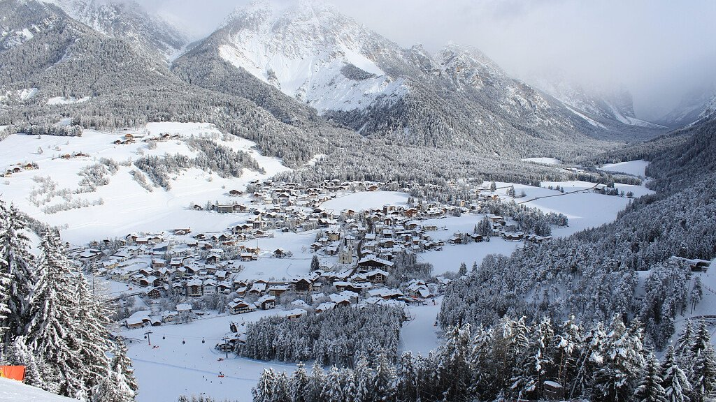 Plan de Corones - Val Pusteria. The valley for your active holidays - cover