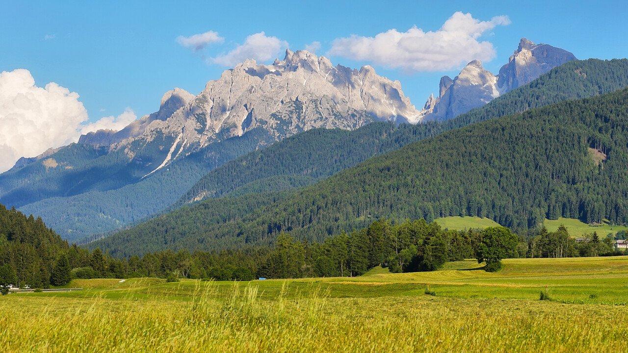 montagna_prati_plan_de_corones_deamstime_maria_luisa_lopez_estivill