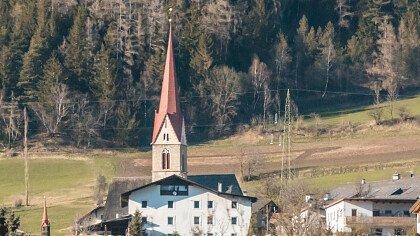Chiesa a Stelvio in autunno