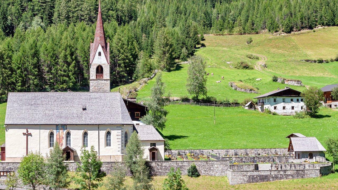 chiesa_predoi_shutterstock