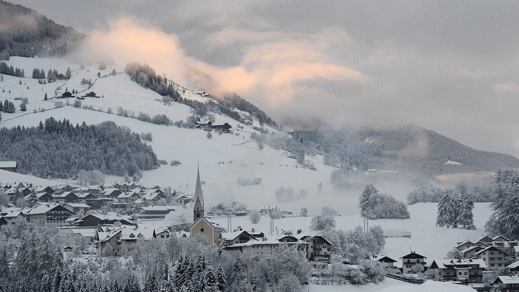 Plan de Corones - Val Pusteria. La valle delle vacanze attive - cover