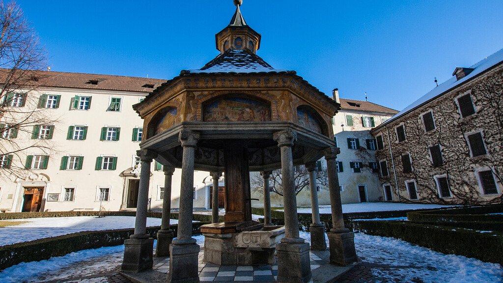 Vahrn, Urlaub zwsichen Radwege und Weinberge - cover