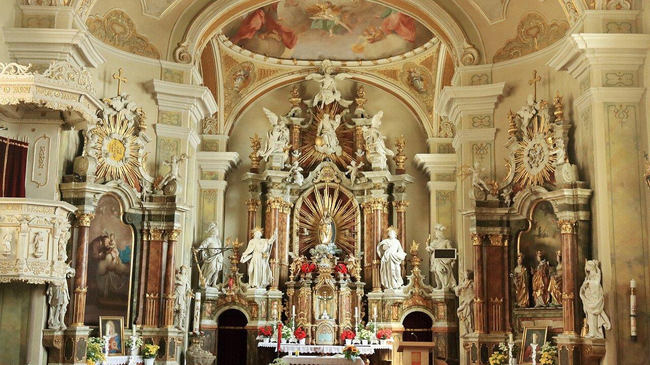 Interior of the church of Maranza