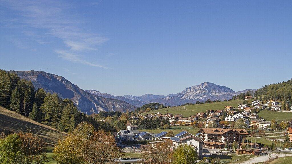 Alpe Cimbra - Folgaria, Lavarone, Luserna a piedi tra la natura, sci e gastronomia - cover
