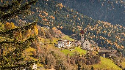San Pietro di Laion in autunno