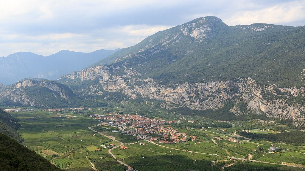 Dro. Drodesera and climbs in Garda Trentino - cover