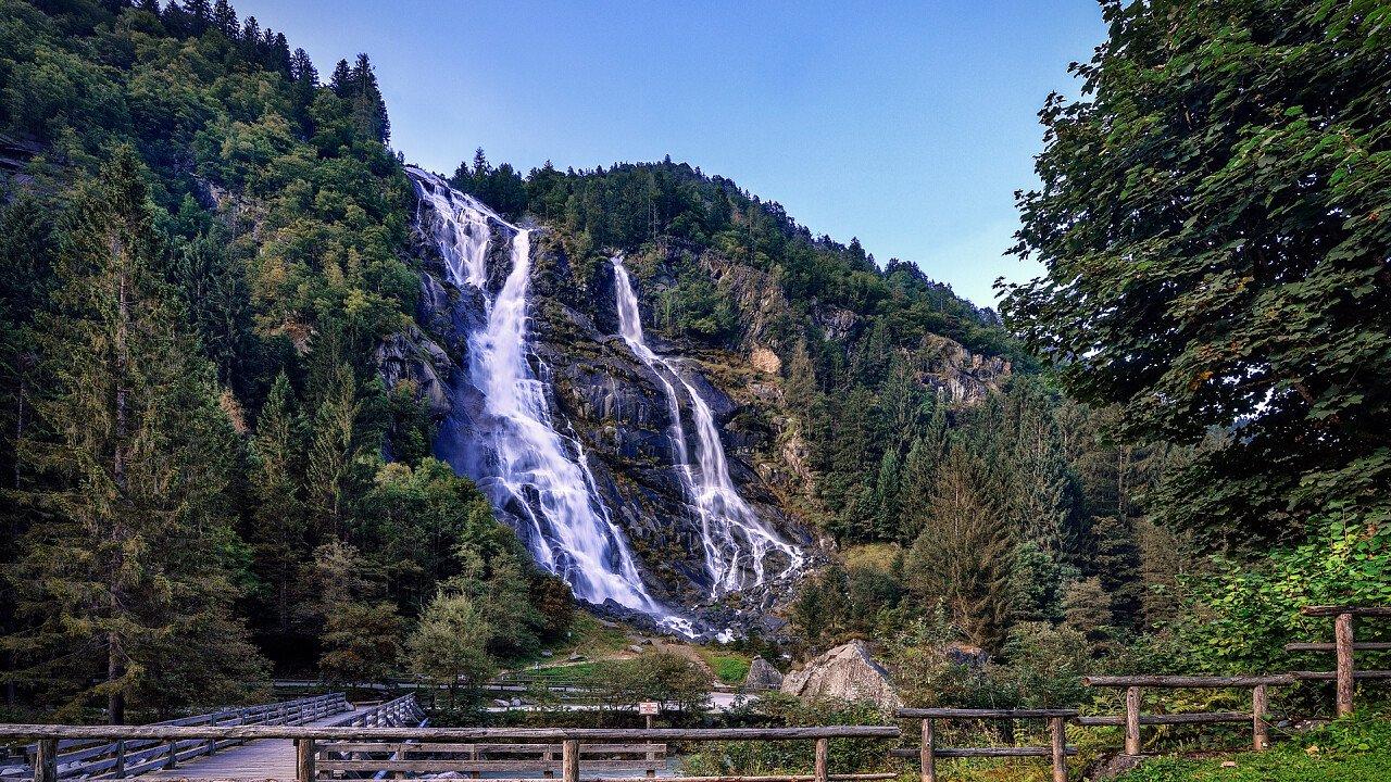 waterfall_carisolo_shutterstock