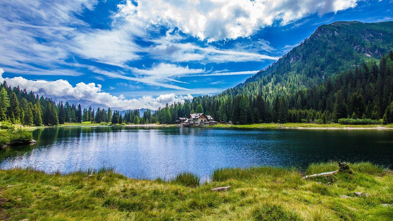 lago_di_nambino_madonna_di_campiglio_iStock