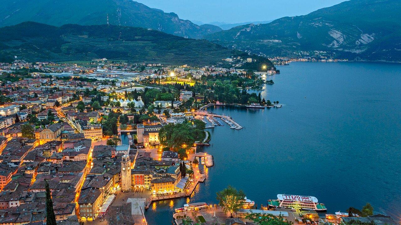 Riva del Garda by night