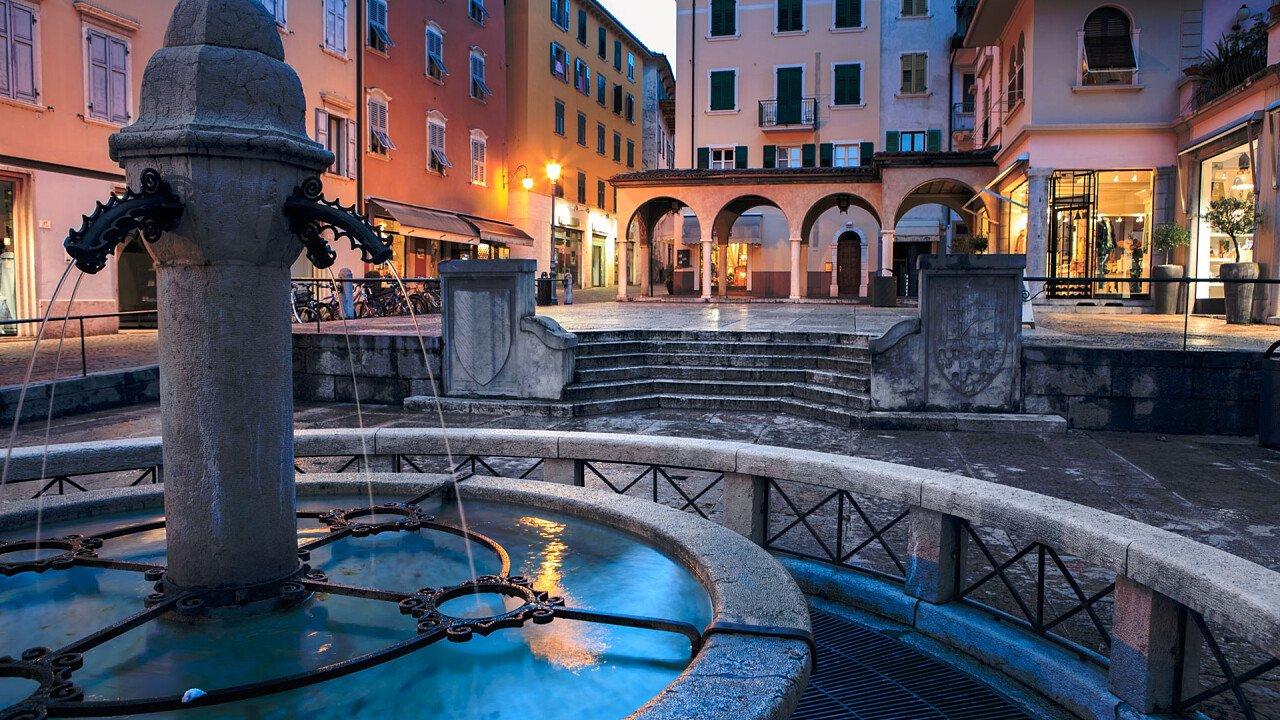 Riva del Garda center fountain