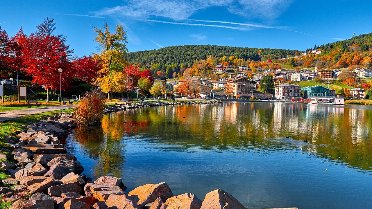 autunno_baselga_di_pine_shutterstock