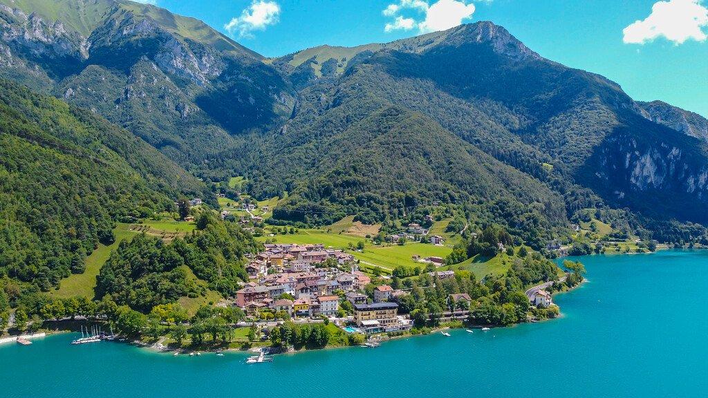Lago di Garda Trentino e Valle di Ledro: surf, mountain bike ed arrampicate - cover