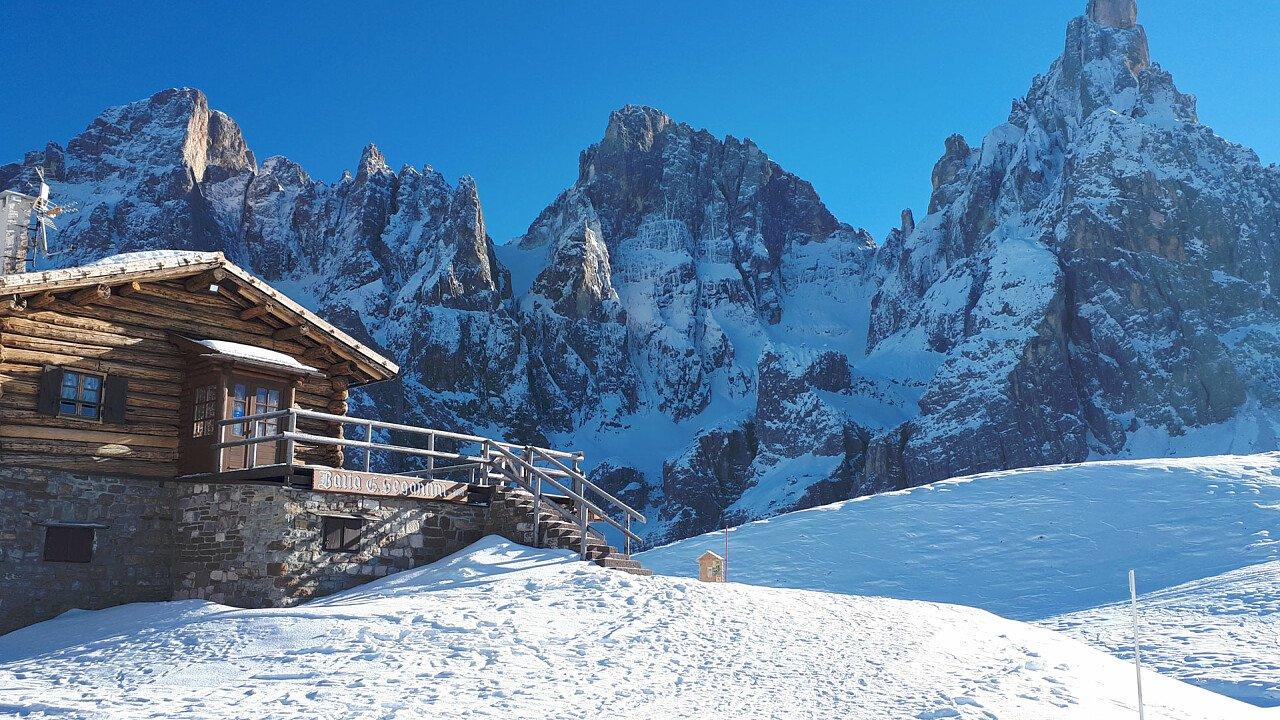 baita_segantini_inverno_passo_rolle_angela_pierdona