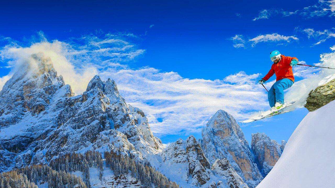 sciatore_salto_san_martino_castrozza_shutterstock