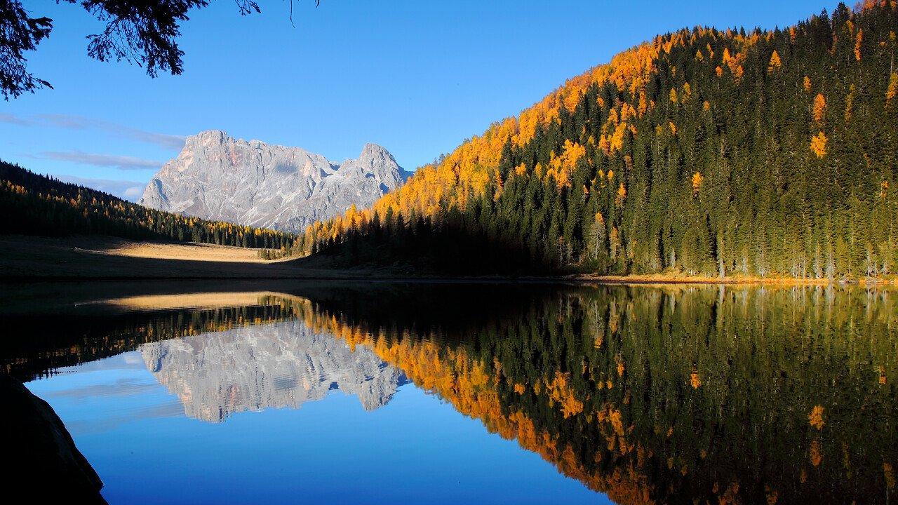 lago_calaita_autunno_siror_shutterstock