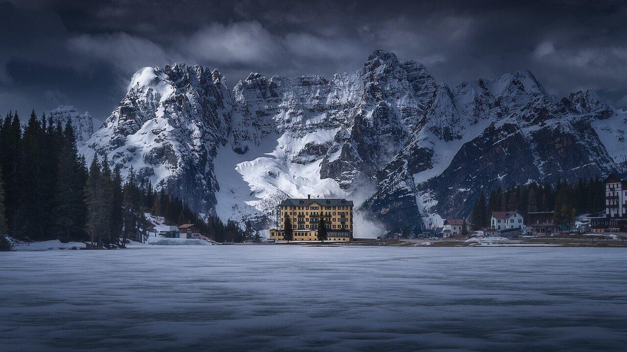 Winter at Misurina lake